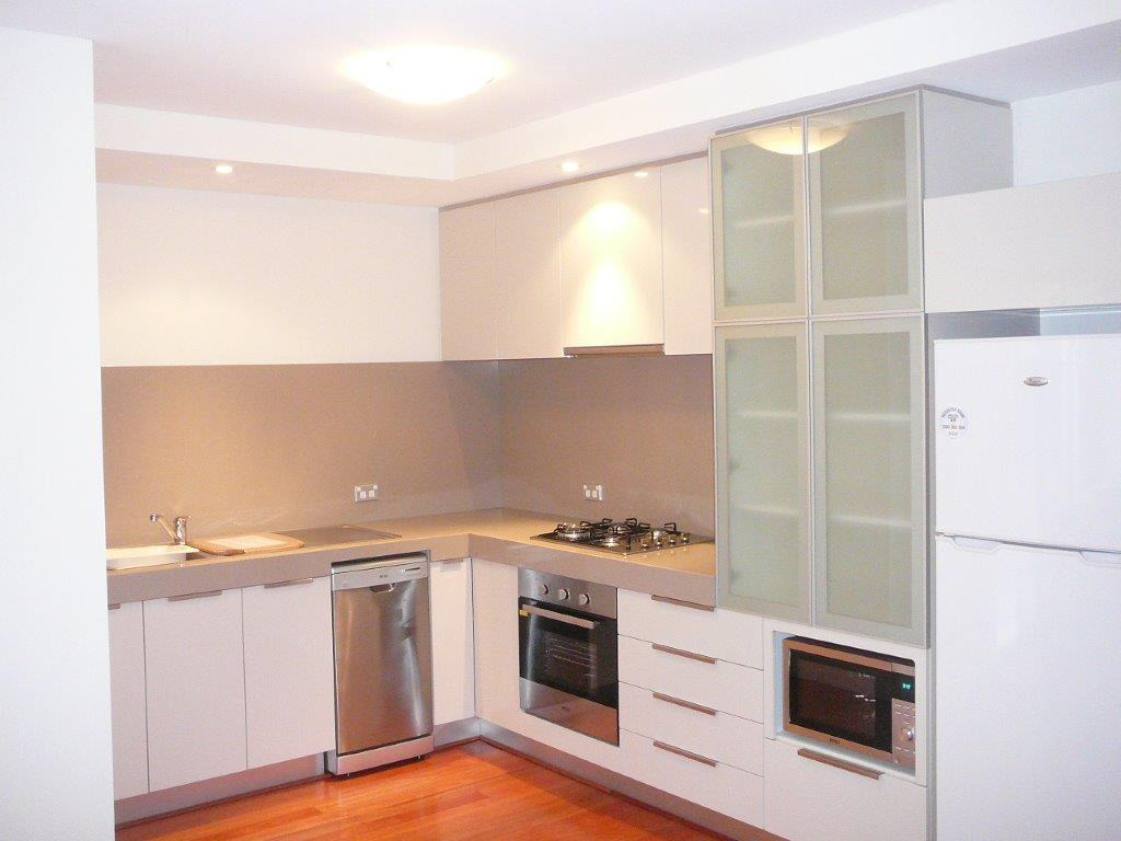 Parklane One Bedroom Apartments Kitchen